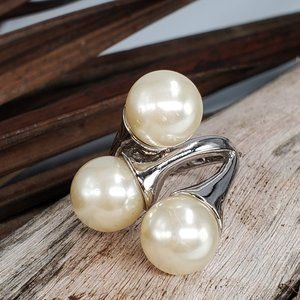 Silver Ring Pearls Size 7.5
